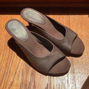 Dark brown leather 2in heels